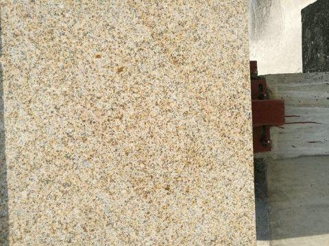 黄锈石花岗岩图片